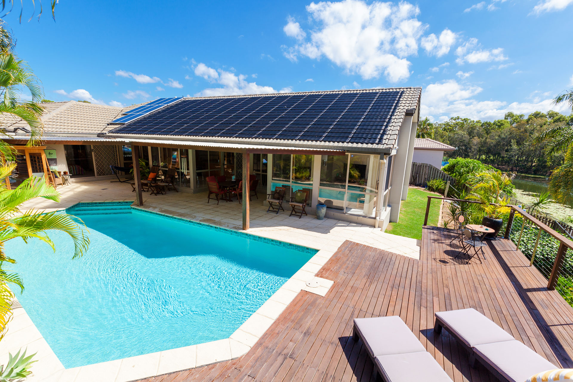 20-04-Solar-Pool_121839394